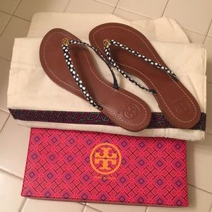 LIKE NEW Tory Burch Terra Thong sandals